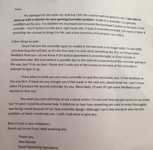 Fotografia da carta enviada pelo funcionário da Sony junto com o controle