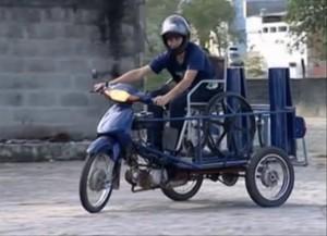 Imagem da moto adaptada criada em Aracruz