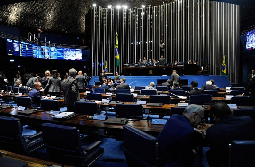 Foto do plenário do Senado Federal durante sessão deliberativa ordinária.