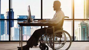 pessoa com deficiência trabalhando