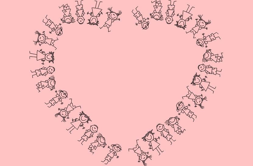 Arte, de fundo branco, com um coração formado pelo desenho de várias crianças.